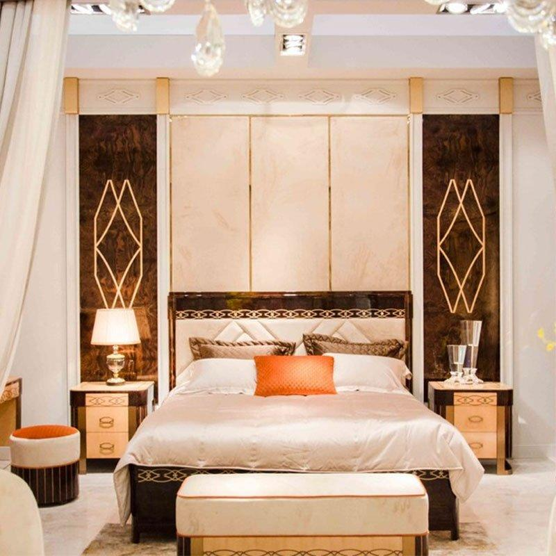 Light And Luxury Elegant Solid Wood Italian Style Bedroom Furniture 0072